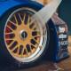 pH neutrálny čistič na kolesá s prefarbovaním do červena - Meguiar's Ultimate All Wheel Cleaner, 709 ml